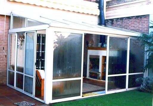 Solarium cerramientos jardines de invierno for Fotos de patios con piletas